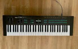 Yamaha DX27 80's FM Synthesizer DX100