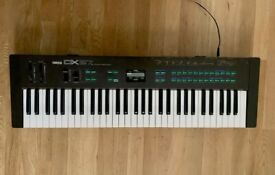 Yamaha DX27 80's FM Synthesizer DX100