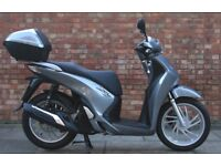 Honda SH 125 (15 REG), 1 Owner, Immaculate condition, only 946 miles on the clock!