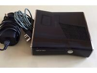 Black Xbox 360 Slim 250 gb - 3 Controller & Kinect - 18 Game