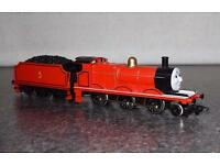 Hornby Model Train R852 Thomas and Friends James the Red Engine 00 Gauge Steam Locomotive