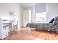 Double room available for Short let! NO ADMIN FEES! Book your viewing NOW! DO NOT miss out!