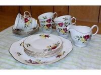 Vintage Tea Set - 20 Pieces