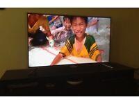 "SMART TV SAMSUNG 55"" Series 6 + DVD Table"