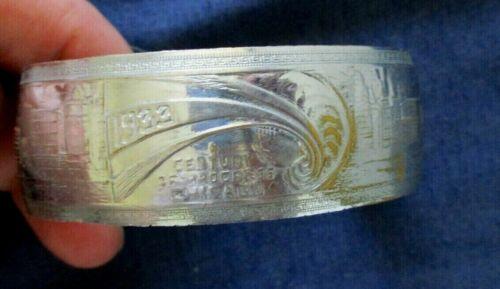 Illinois 1933 Chicago Worlds Fair Souvenir Metal Bracelet Century of Progress