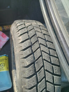Hankook Winter Tires WITH rims, Great Condition 175 65 r14 32T