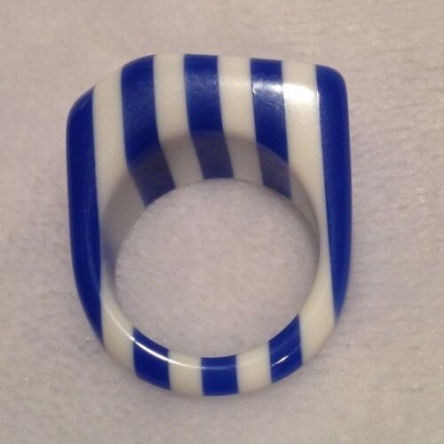 Lucite Striped Blue White Ring Size 8