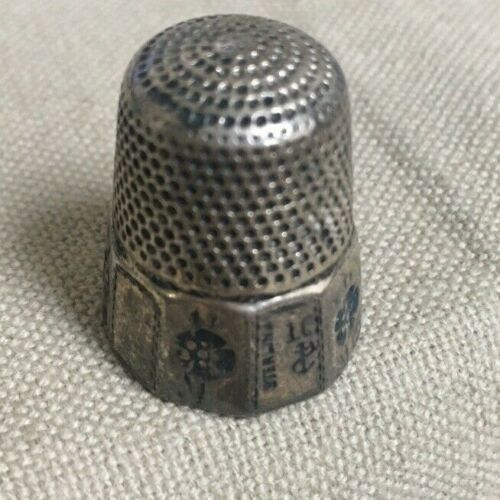 OLD STERN BROTHERS VICTORIAN ERA STERLING SILVER # 10 POLYGON PANEL BASE THIMBLE