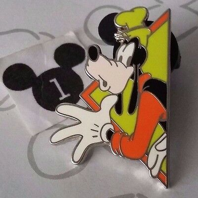 Goofy Green Triangle Mickey and Friends Puzzle WDW Promotion Mystery Disney Pin