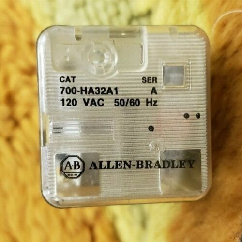Allen Bradley Lot of 700-HA32A1/700-HB32A1 Ser. A, B, and C 120Vac Relays USED