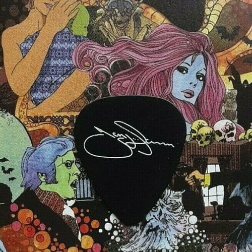 BLACK SABBATH Tony Iommi signature on black guitar pick