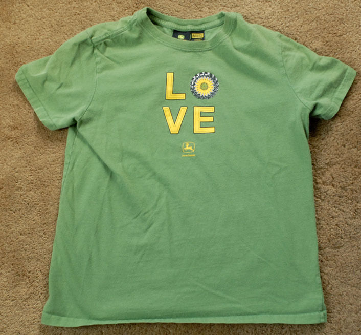 JOHN DEERE Love green short sleeve size youth M 8-10 t shirt