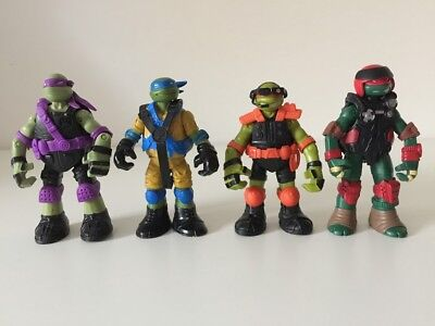 Teenage Mutant Ninja Turtles Action Figures Toys Set of 4 TMNT in Outfits (Tmnt Outfits)