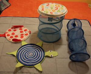 kid's hamper lids and storage compartment