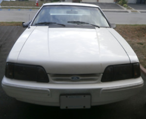 1993 Ford Mustang LX Hatchback 5.0L Foxbody - Clean