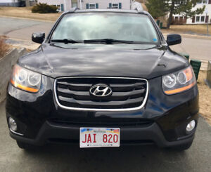 2011 Santa Fe GL Sport with low mileage in excellent condition!