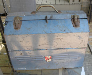 VINTAGE Heavy Duty BEACH Cantilevered TOOL BOX Smith Falls ONT
