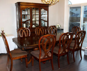 Solid Wood Dinning Table W 8 Chairs Buffet And China Set