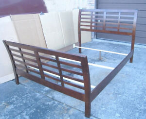 Solid Wood Queen Sleigh Bed with 3 supports for a box,delivery$$