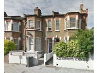 HUGE 5 BED STUNNING HOUSE NEXT TO CLAPHAM NORTH STATION £880PW END AUG