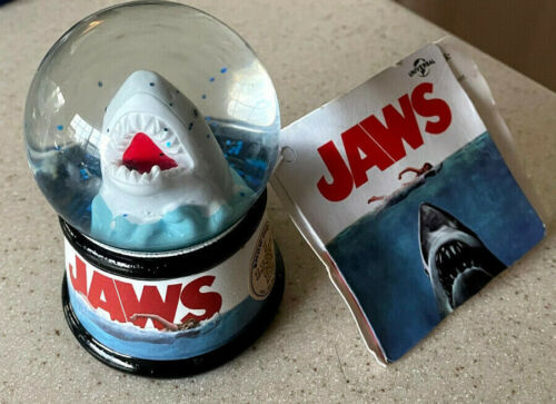 """Universal Jaws Movie Light up Mini Snow Globe 3.5"""" Rare"""