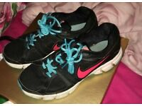 Woman's Nike trainers size 6