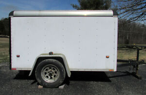 72c3919db2 5  x 8  Wells Cargo Enclosed Utility Trailer - Excellent - Bloomington  Indiana
