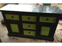 SIDEBOARD : 5 Draw painted sideboard with glass top. 440mm x 1320mm x 850 high. Good condition