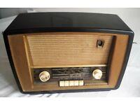 VINTAGE MURPHY VALVE RADIO