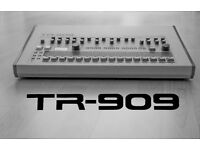 Roland TR 909 drum machine for sale. Great condition and working order.