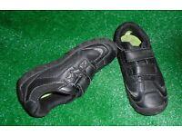 Clarks boys black shoes size 11E