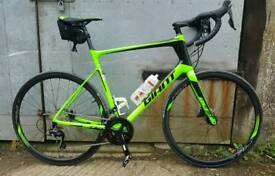 Giant Defy Advanced 2 2018 model XL frame, as new condition.