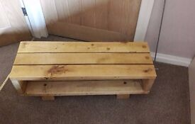 Shabby Chic Pallet Wood Television Stand/Bench