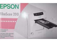EPSON FilmScan 200 (Photographic Negative Scanner)