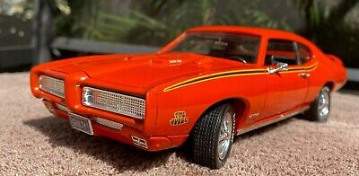 Ertl American Muscle 1969 Pontiac GTO The Judge 1:18 Scale Diecast Car