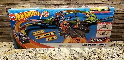 Hot Wheels GFH87 Colossal Crash Track Set Mattel 2019 NEW