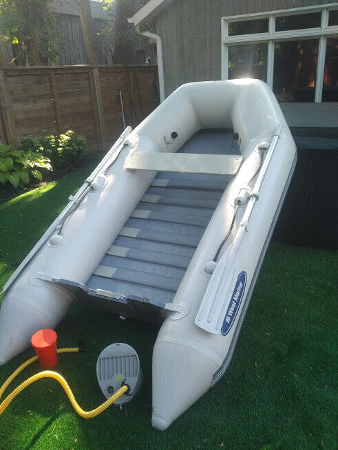 REDUCED 8 5 FOOT WEST MARINE INFLATABLE DINGHY