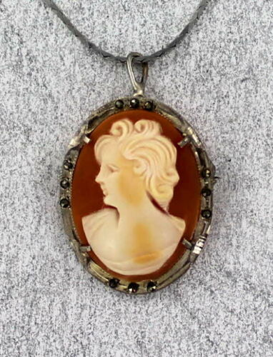 Antique Vintage  Cameo Pendant Necklace in Sterling Silver Setting with chain