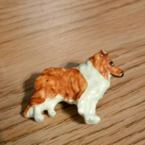 Lassie Collie Dog plastic pin vintage
