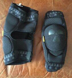 Nukeproof DH Knee Pads