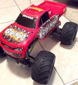 TRAXXAS GRINDER RC