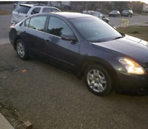 NISSAN Altima in Mint condition