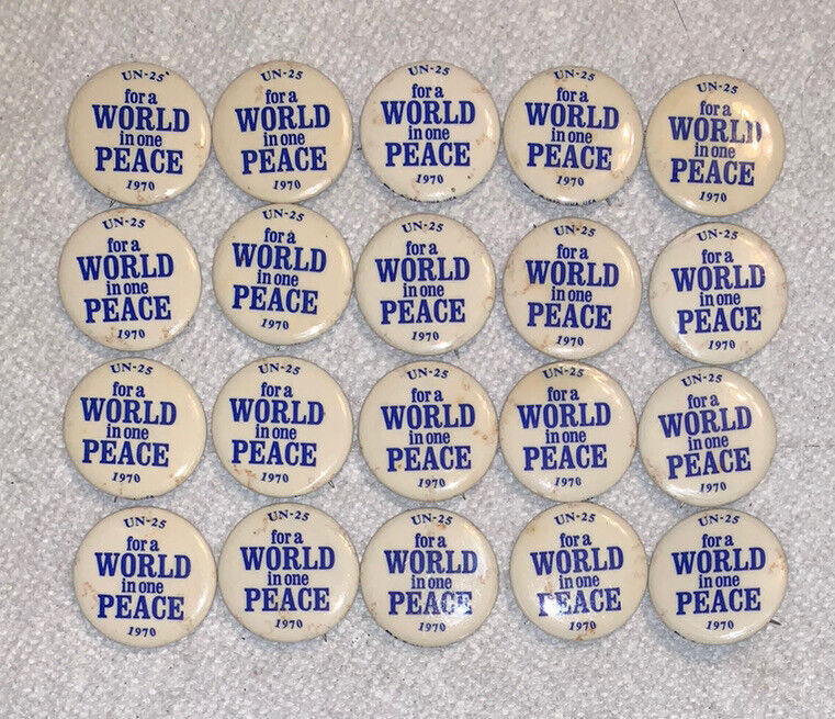 """Lot of 20 Vintage Anti War Protest Pin UN-25 """"For a World in one Peace"""" 1970"""