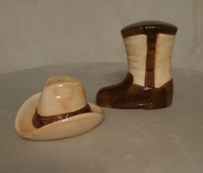 SET OF COW BOY  SALT AND PEPPER SHAKERS COWBOY HAT AND A COWBOY BOOT
