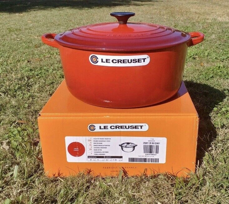 Le Creuset 7.25 qt French (Dutch) Oven in Cerise Cherry Red - New In Box!