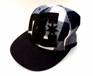 DC Shoes Black White Plaid Fitted Flexfit Hat Cap Baseball Mens