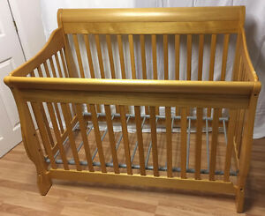 Deluxe Convertible Baby Crib FOR SALE