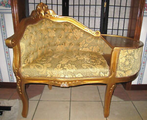 Beautiful Antique Side Couch/Bench with table in good condition
