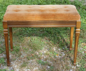 Vintage Padded Seat Organ/Piano Bench With Lift Top Seat