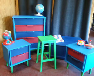 Kids Bedroom Suite/ Dresser, Night Stands, Stool